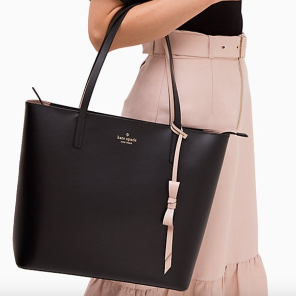 kate spade Handbags - Kate Spade Zip Tote With Bow